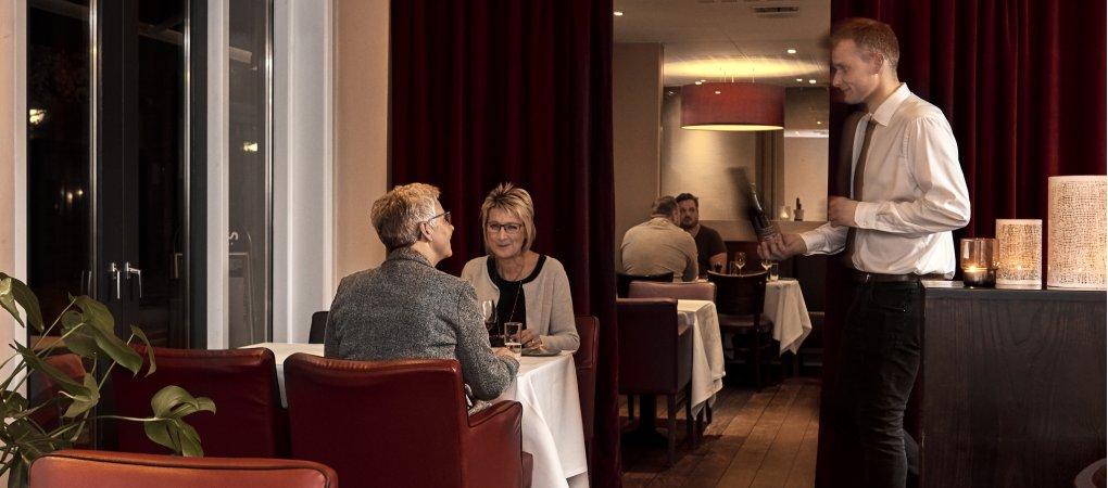 Et hyggeligt Brasserie med god mad og glade mennesker<br>
